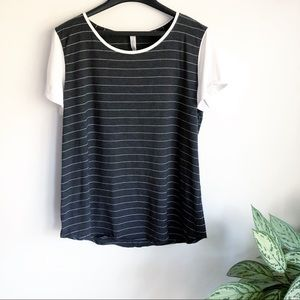 Lululemon striped T-shirt gray white size 14